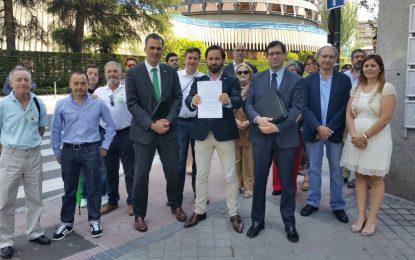 """Abascal: """"Se trata peor a los españoles que cumplenla Ley que a los antiespañoles que la pisotean"""""""