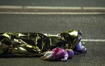 """Exteriores (Niza): """"Si estáis afectados directamente, TEL. Francia: 0608717988 -España: 00 33 608717988"""""""