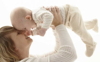 Cae el gasto por maternidad un 1,97% y crece un 2,58% por paternidad en España