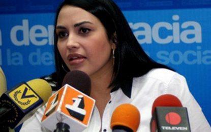 """""""Aquí"""" en Venezuela """"el pueblo está pasando hambre, se acabó eso de comer tres veces al día"""""""