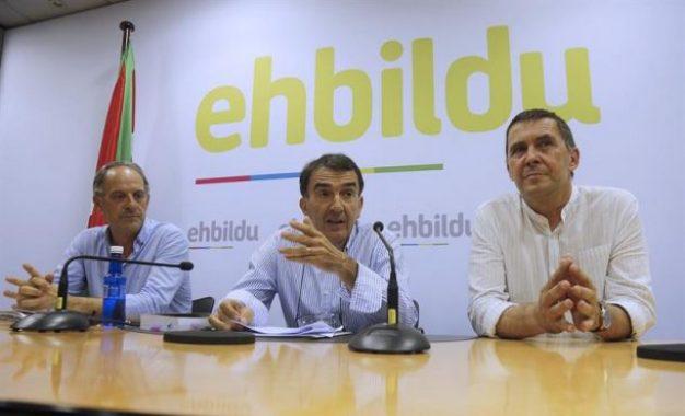 """EH Bildu presenta sus alegaciones a la """"inelegibilidad"""" del terrorista Arnaldo Otegi, candidato al 25-s"""