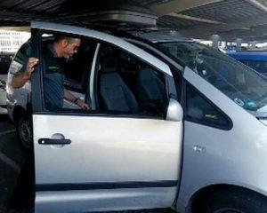 La Guardia Civil rescata a un bebé de 9 meses que estaba inconsciente en un turismo en Alicante