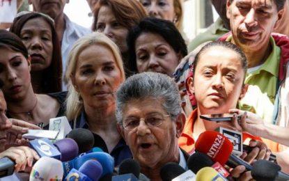 (Venezuela) Los diputados opositores venezolanos se movilizan para pedir apoyo al revocatorio