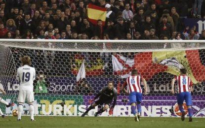 3 goles de Cristiano someten al Atlético de Madrid en su campo, Madrid líder en solitario