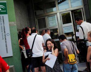 Sube el paro en 24.841 personas en noviembre y se sitúa en 3.789.823 personas en España