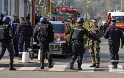"""Al menos 2 heridos en un ataque en un instituto de Grasse, Francia dice: es """"el acto loco de un joven"""""""