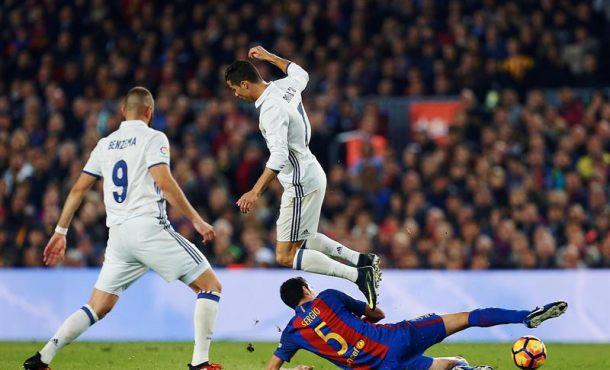Real Madrid – FC Barsa, jornada 33, se jugará el 23 de abril en Santiago Bernabéu