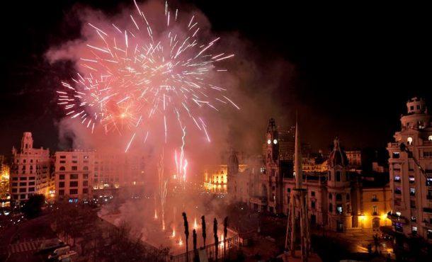 Las Fallas de Valencia estrenan con orgullo el título de Patrimonio de la Humanidad