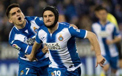 El Español firma un victoria trabajada en RCDE Estadio con una avalancha de goles
