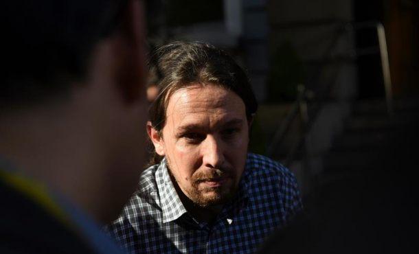 """Fuego y sangre en Podemos, los 'morados' levantan el puño contra """"golpe de estado interno"""""""