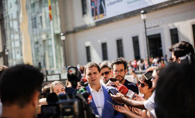 """Rivera (C's) pide que """"se investigue los 14 años de Rajoy al frente del PP"""" y """"tirar del hilo"""""""