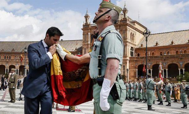 Más de 2 mil civiles juran bandera sobre 9 de Tercios de la Legión en Sevilla, récord de participación