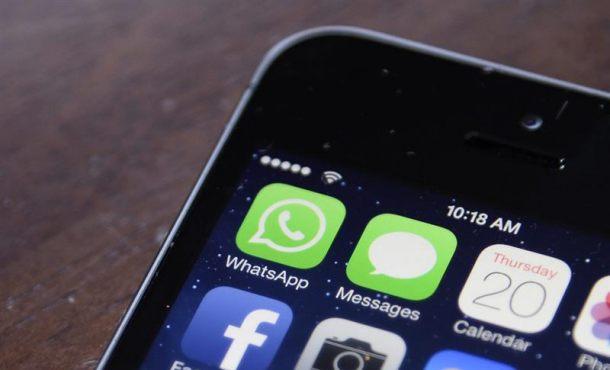 """Comisión Europea multa con 110 millones a Facebook por datos """"engañosos"""" con Whatsapp"""