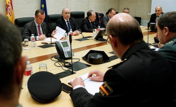 Espa a eval a la amenaza yihadista jefes de polic as de for Ministro del interior espana 2016