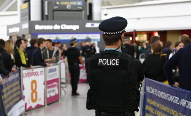 Un detenido en aeropuerto de Reino Unido, viajaba a Siria por supuesto terrorismo yihadista