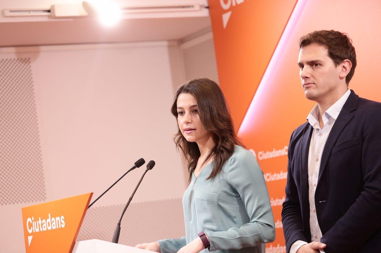 Ciudadanos Cs se dispara ante hundimiento de Podemos por cómplice del separatismo