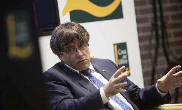 Puigdemont cesa a su Consejero tras sus dudas sobre el referéndum separatista de 1-O