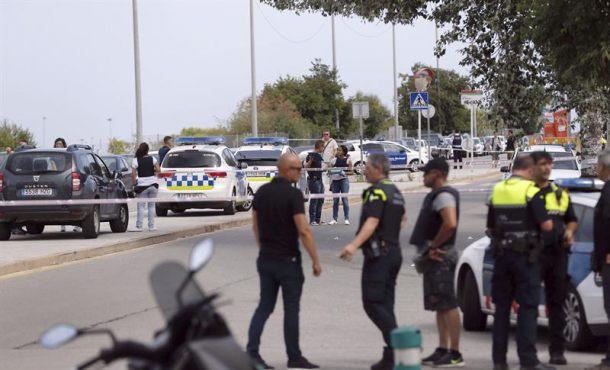 Herido grave el atacante de Gavá (Barcelona) y un policía evacuado en estado crítico