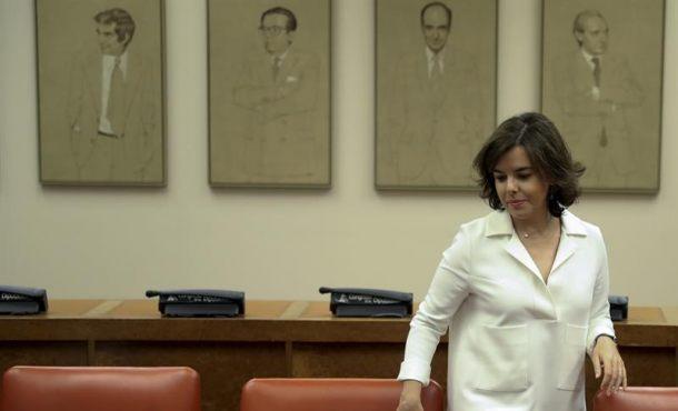"""Soraya avisa a Colau de que no ponga en riesgo a """"funcionarios"""" ante """"ordenes ilegales"""" el 1-O"""
