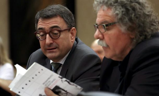 """ERC pide a Podemos que se disculpe por llamar """"cajitas"""" a urnas del referéndum en Cataluña"""