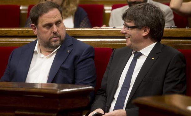 Puigdemont ultima remodelación del Gobierno catalán entre 2 y 4 consejeros