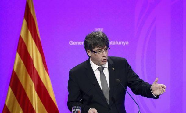 """Puigdemont quiere con su referéndum construir una República Catalana """"mejor"""" que España"""