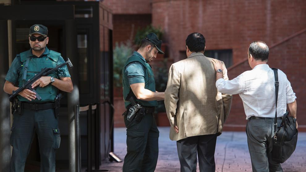 La Guardia Civil interroga al Director General de Difusión de la Generalidad sobre el referendum