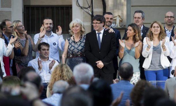 """Puigdemont: """"No es necesario que envíen a la Guardia Civil ni a los fiscales a Cataluña"""" el 1-O"""
