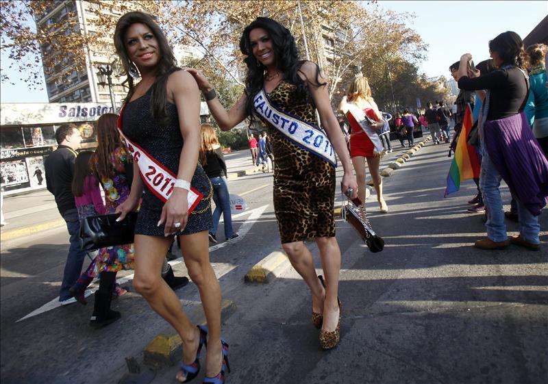 Aplazan el reclutamiento de transexuales para Fuerzas Armadas de Estados Unidos