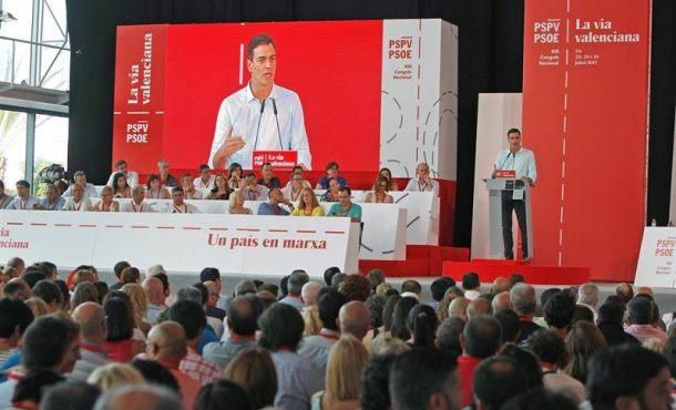 """Sánchez: """"Rajoyes un ladrón y contorsionista"""" que """"oculta la cabeza; acorralado por la corrupción"""""""