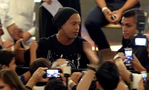 """Ronaldinho: """"Estoy viejo, quiero dedicarme a hacer otras cosas"""""""