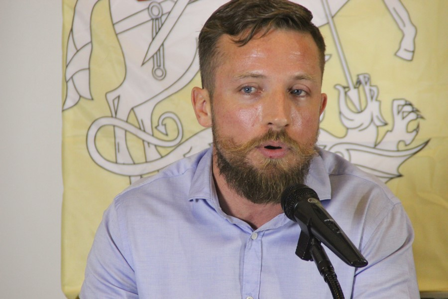 """Víctor Javier Ibáñez: Los síntomas de """"violencia de ETA"""" están en las puertas de """"Cataluña"""""""