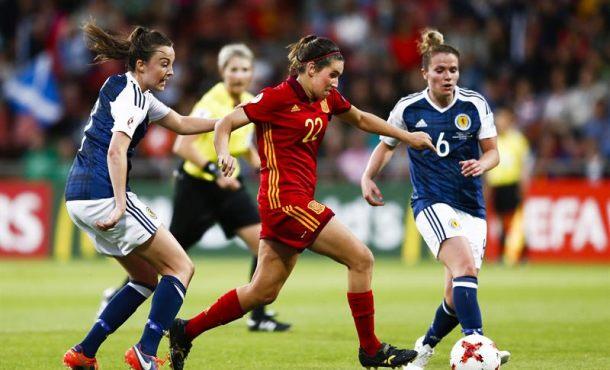 España llega a cuartos de Eurocopa femenina con justicia y de rebote trasperder con dignidad