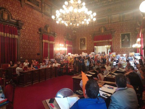 Tarragona aprueba la moción del PSC contra el referéndum separatista del 1-O en Cataluña