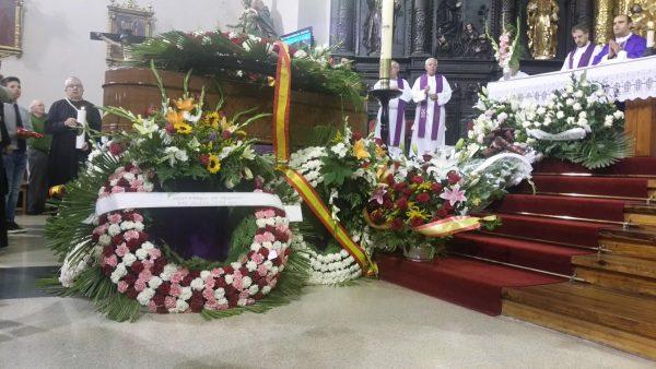Familiares, amigos y VOX despiden entre lágrimas y dolor a Santiago Abascal Escuza