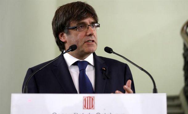 """Puigdemont elogia la """"reconquista de la normalidad"""" tras los atentados islamistas en Cataluña"""