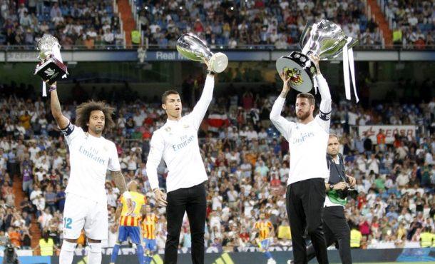 Madrid sufrió el primer pinchazo de la temporada tras recibir el trofeo de campeón español