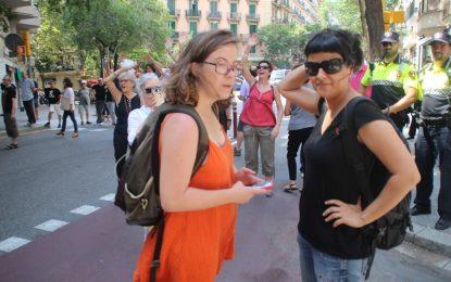 """La militancia de CUP tacha de """"traición"""" la payasada de Puigdemont este 10-Oct en el Parlamento"""