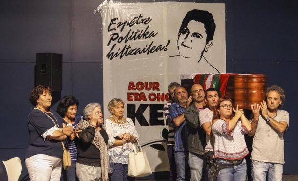 ETA-Etxerat y proetarras reciben el cadáver de Kepa Del Hoyo, un infarto acabó con el terrorista