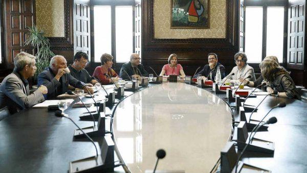 El Parlamento de Cataluña pospone la tramitación de la Ley del Referéndum 1-O