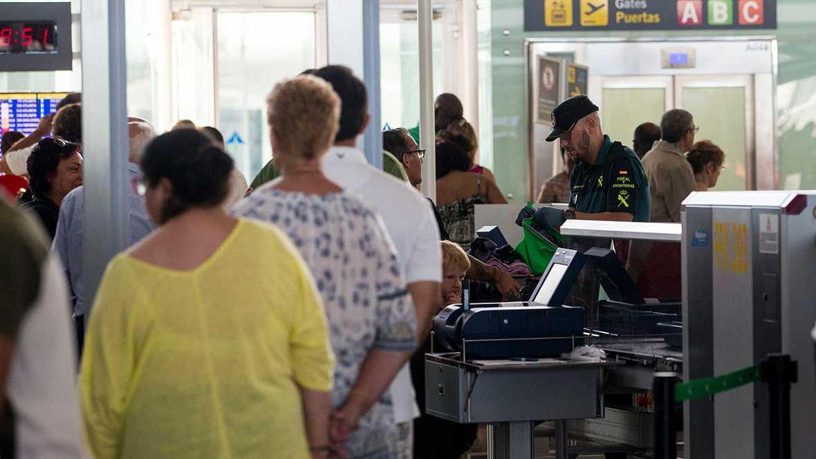 Llega la Guardia Civil a Cataluña para poner orden el Aeropuerto 'El Prado' de Barcelona