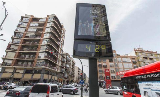 España en alerta por tormentas, chubascos, viento, calima y por calor, Murcia alcanzará 40 grados