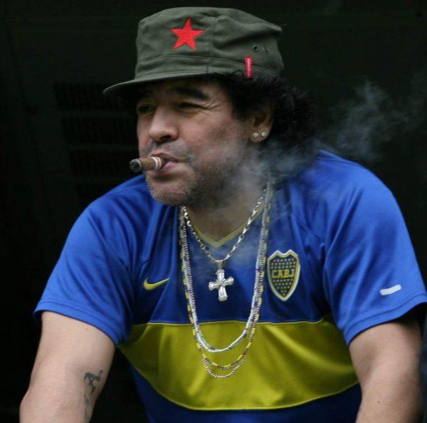 """Maradona:Soy """"chavista"""" y contra """"Derecha e imperialismo""""lucharé  para una """"Venezuela libre"""""""