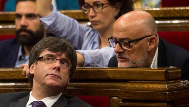 """""""El Ejército Español deberá abandonar Cataluña y sus aduanas pasarán a la Generalidad"""""""