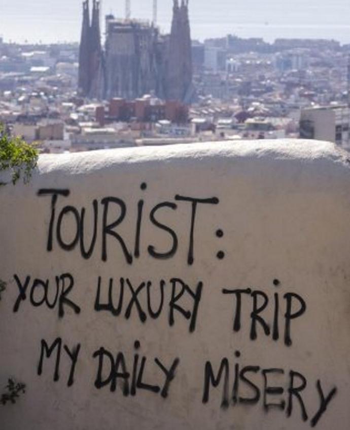 Gobierno catalán, Acusación Particular contra los ataques de escuadras de CUP a turistas