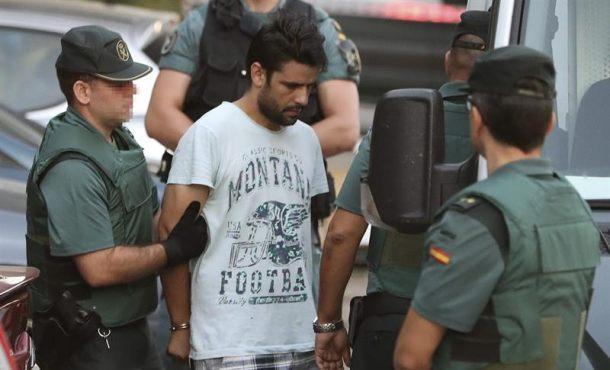 Libertad con retirada de pasaporte para el islamista catalán dueño del locutorio de Ripoll
