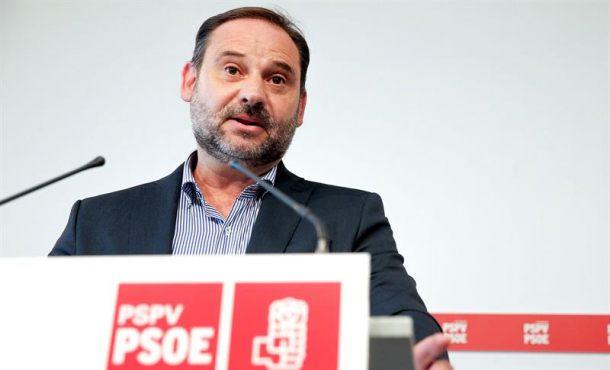 El PSOE enfría las prisas de Podemos por la moción de censura contra el PP y Rajoy