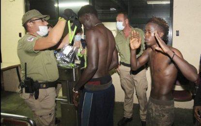 (Ampliación) Un tota 186 los inmigrantes despistan a la Guardia Civil y entran andado a España