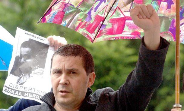 La Justicia española revisa la inhabilitación del terrorista etarra Arnaldo Otegi