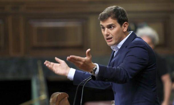 Tumban la proposición de Cs contra el desafío separatistas con votos de Podemos y PSOE y separatistas